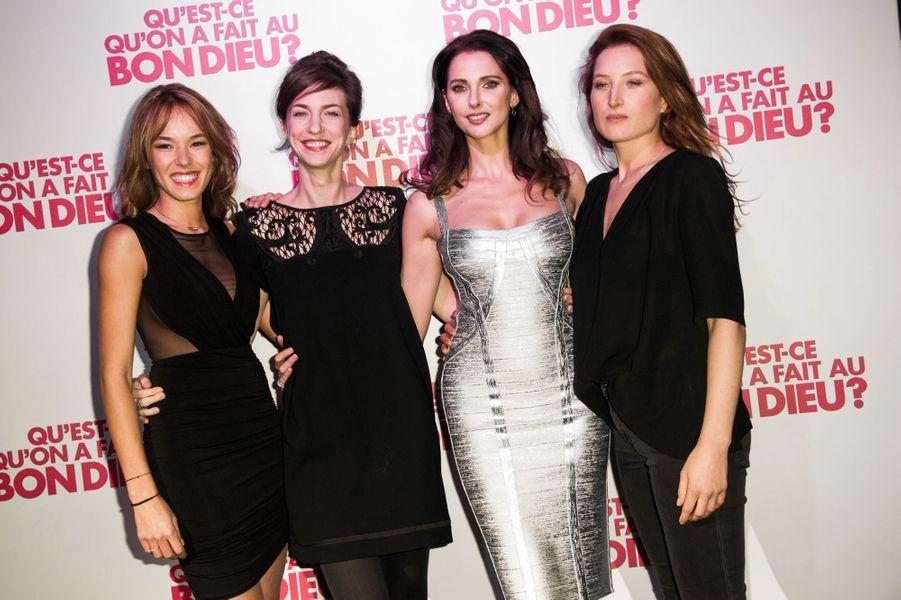 Élodie Fontan, Émilie Caen, Frédérique Bel et Julia Piaton à Paris le 8 décembre 2014