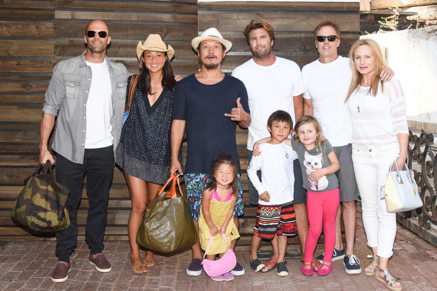 Jason Statham et d'autres stars hollywoodiennes célébraient le lancement de la nouvelle marque de Kelly Slater samedi dernier.