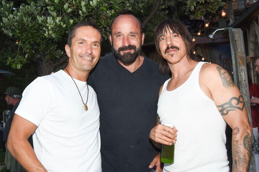 Michael Muller et Anthony Kiedis célébraient le lancement de la nouvelle marque de Kelly Slater samedi dernier.