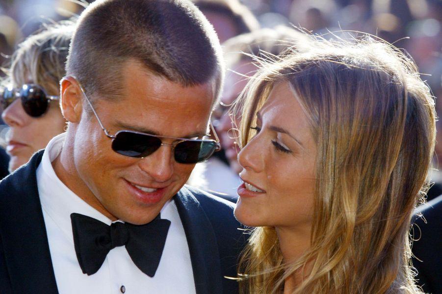 """Après sept ans de vie commune, les deux stars ont divorcé en 2005. En cause, la relation extra-conjugale débutée par le comédien avec Angelina Jolie sur le tournage du film """"Mr et Mrs Smith""""."""