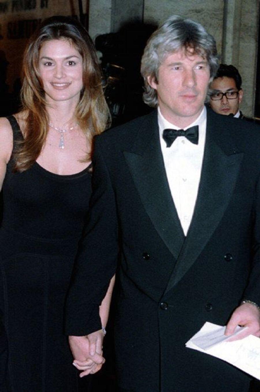 Les deux stars ont formé l'un des couples les plus glamours des années 1990. Mariés de 1991 à 1994, Richard Gere et Cindy Crawford ont fini par divorcer, estimant qu'ils n'avaient plus les mêmes attentes.