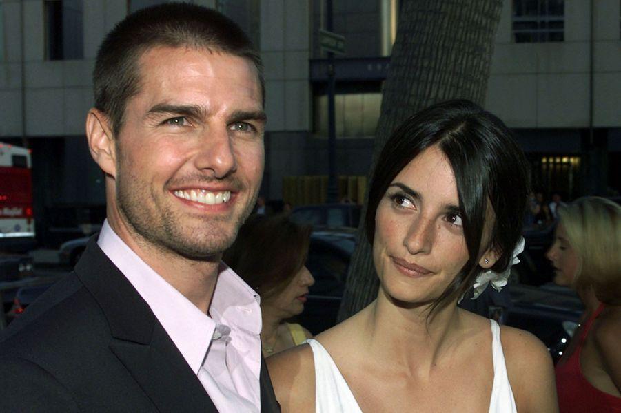 Tom Cruise enchaine les longues histoires d'amour. Quelques temps après son divorce avec Nicole Kidman en 2001, l'acteur a entamé une relation avec Penelope Cruz qui a duré presque trois ans. Mais en 2004, le couple a annoncé sa séparation.