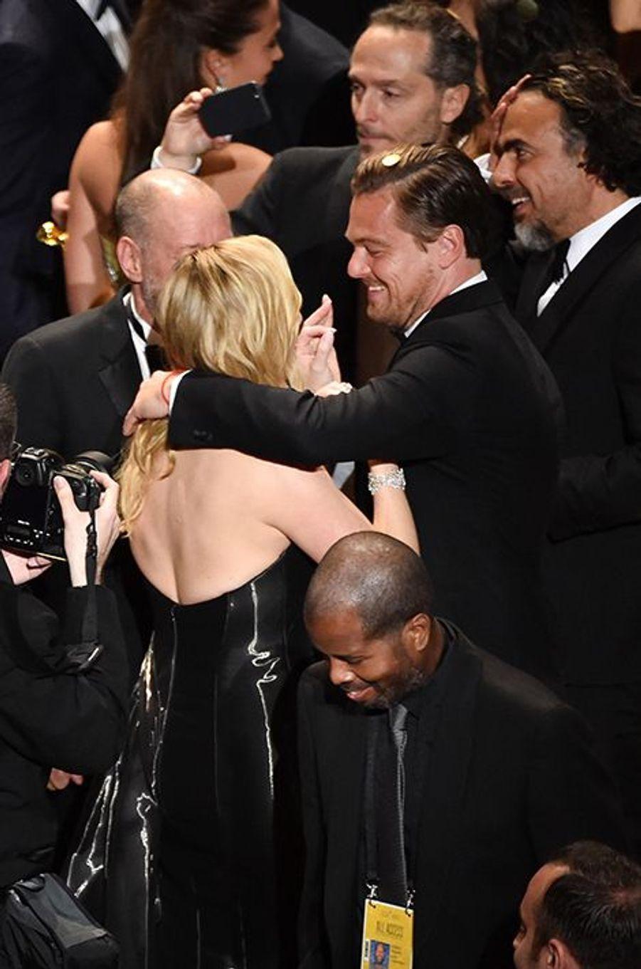 Leonardo DiCaprio et Kate Winslet lors de la cérémonie des Oscars 2016