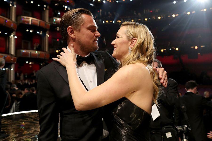 Kate Winslet, son amie de toujours, le félicite avec amour