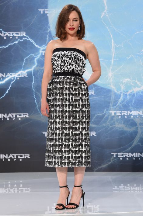 "Emilia Clarke en Balenciaga pour la promotion de ""Terminator: Genisys"", en juin 2015"