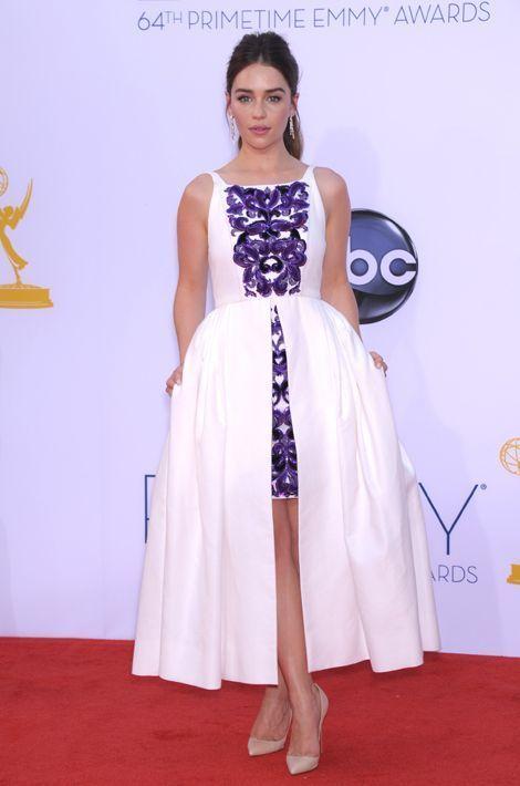 Emilia Clarke en Chanel aux Emmy Awards, en septembre 2012