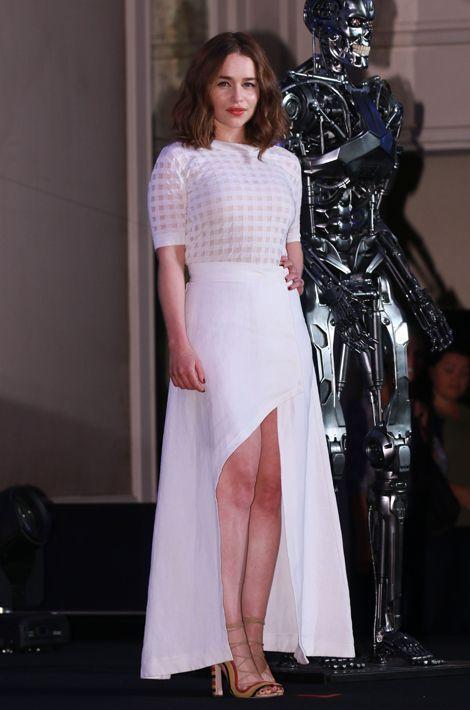 "Emilia Clarke en Isa Arfen pour la promotion de ""Terminator: Genisys"", en juillet 2015"