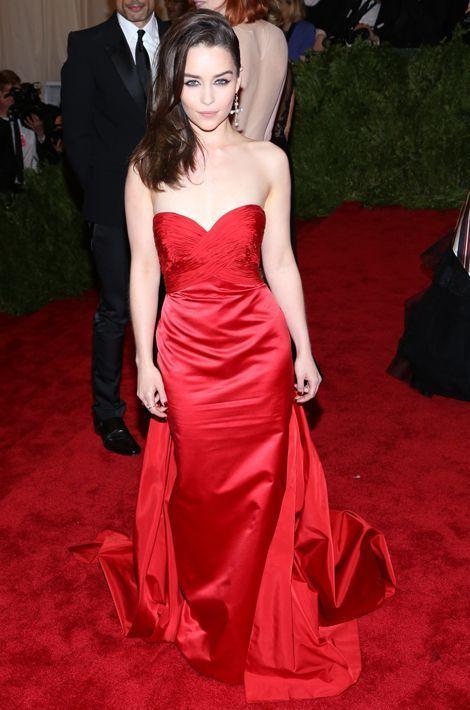 Emilia Clarke en Ralph Lauren au Gala du Met, en mai 2013