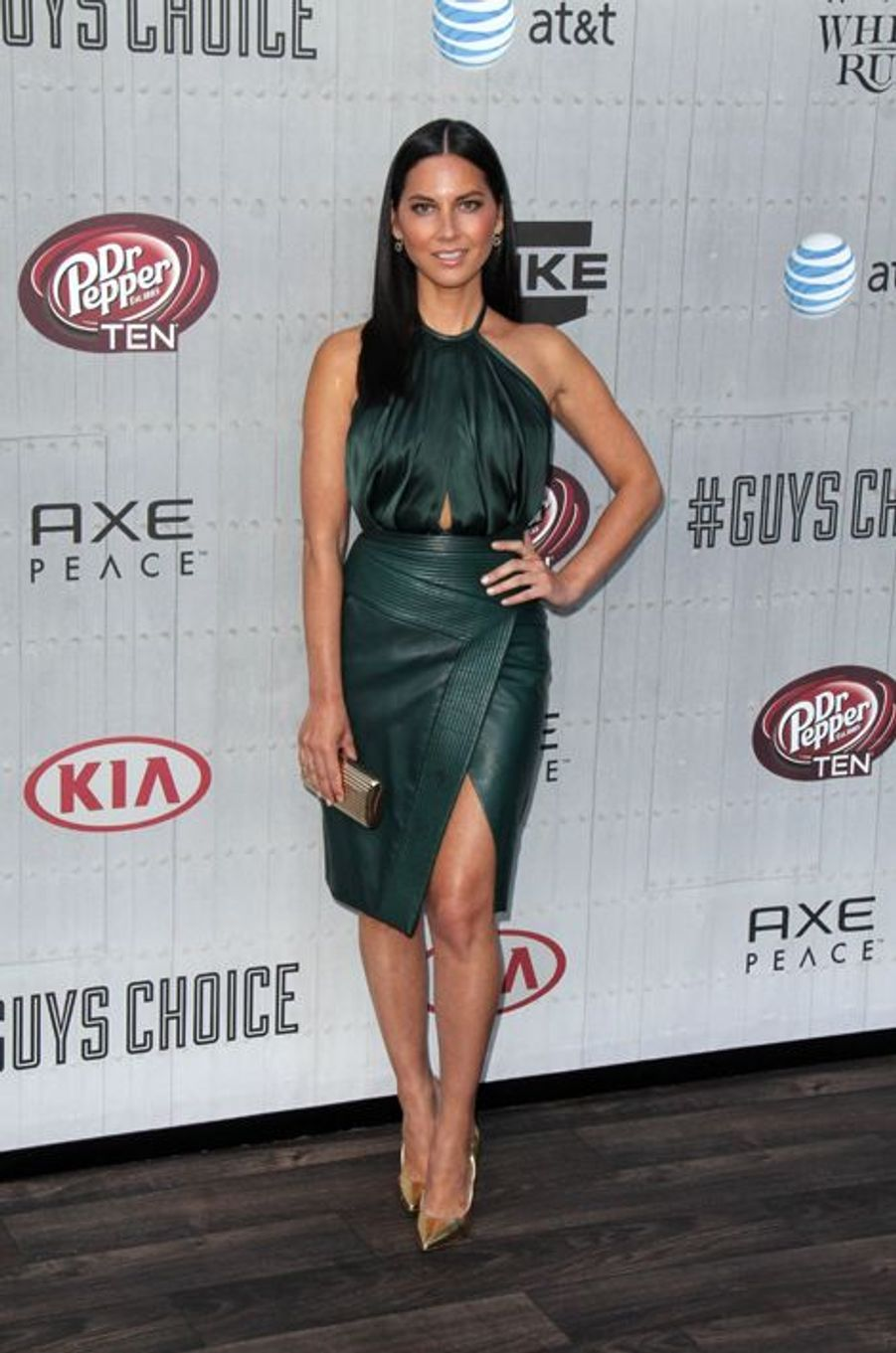 Olivia Munn en J. Mendel aux Guys' Choice Awards, en juin 2014