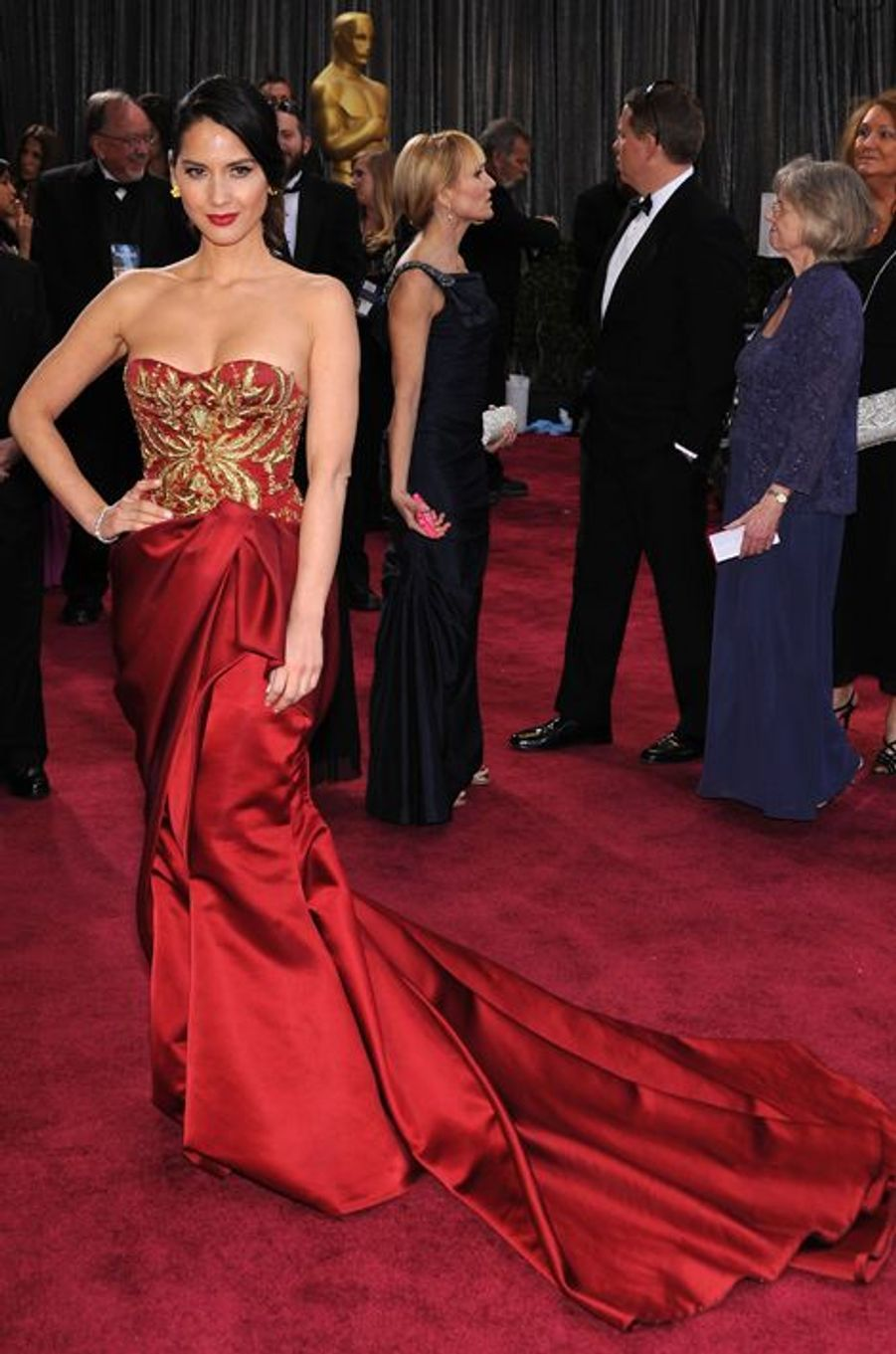 Olivia Munn en Marchesa aux Oscars, en février 2013