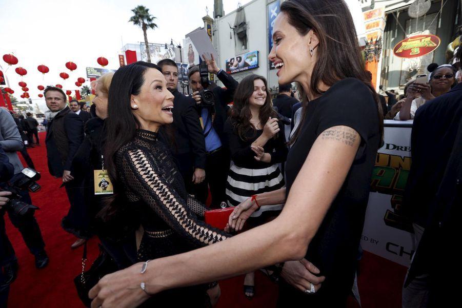 Lucy Liu et Angelina Jolie