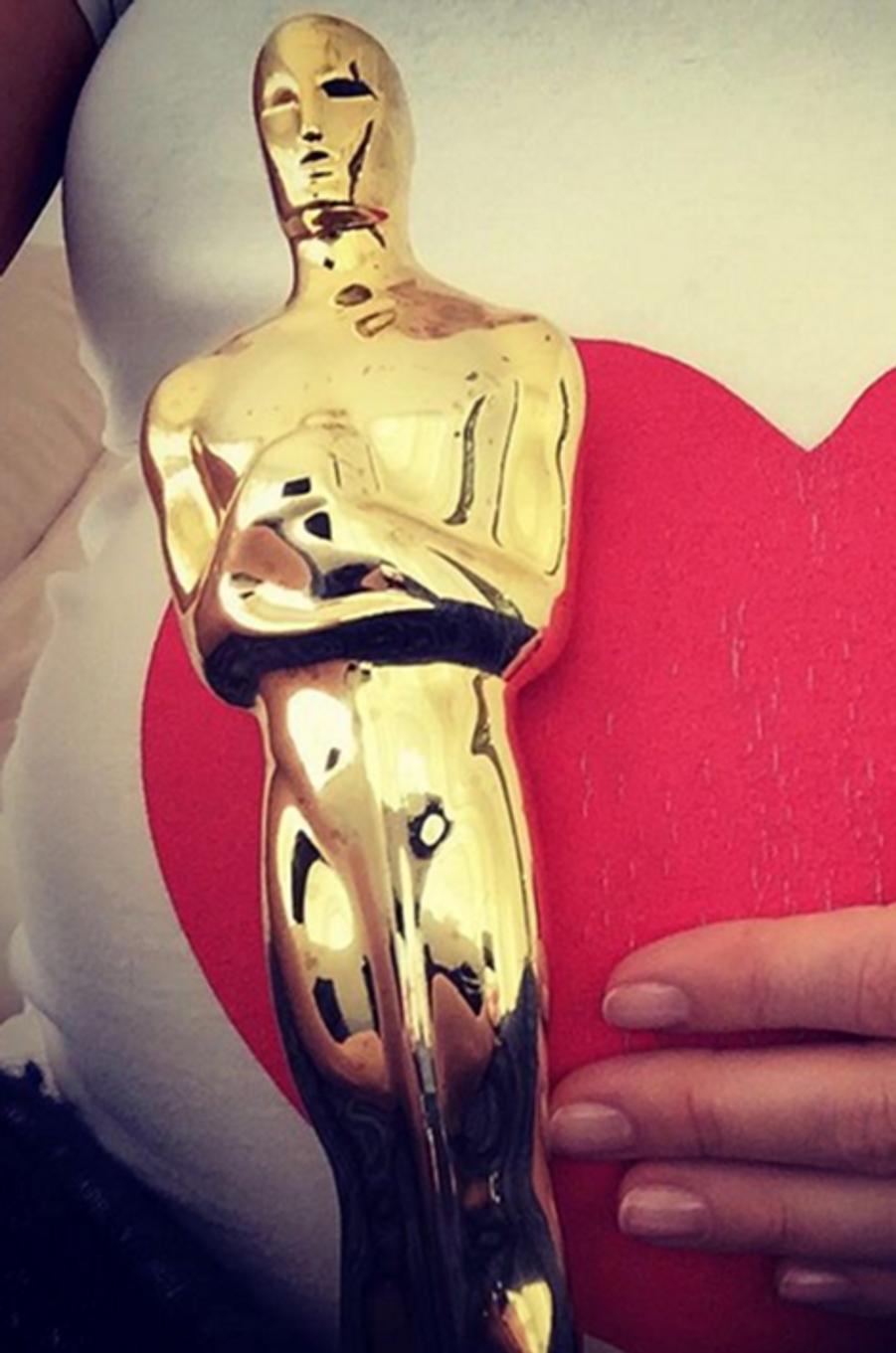 Anne Hathaway n'a pas pu se rendre cette année à la cérémonie des Oscars, l'actrice est enceinte de son premier enfant