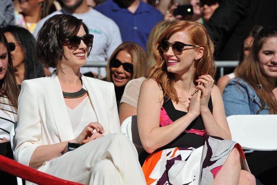 Anne Hathaway et Jessica Chastain à Los Angeles le 17 novembre 2014