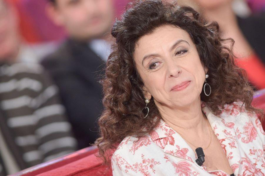 """Isabelle de Botton lors de l'enregistrement de """"Vivement Dimanche"""" Miou-Miou, le 4 février 2015"""