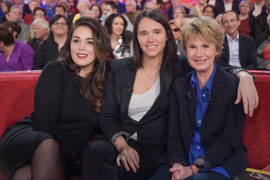 """Lola Dewaere, Jeanne Herry et Miou-Miou lors de l'enregistrement de """"Vivement Dimanche"""", le 4 février 2015"""