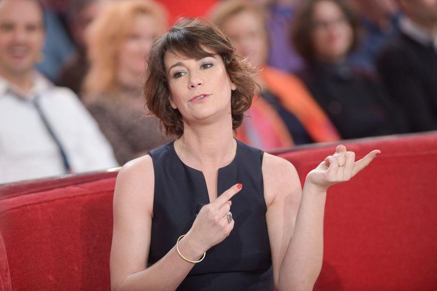 """Virginie Hocq lors de l'enregistrement de """"Vivement Dimanche"""" Miou-Miou, le 4 février 2015"""