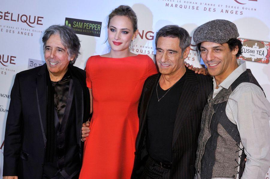 Le réalisateur du film, Ariel Zeitoun, avec ses stars