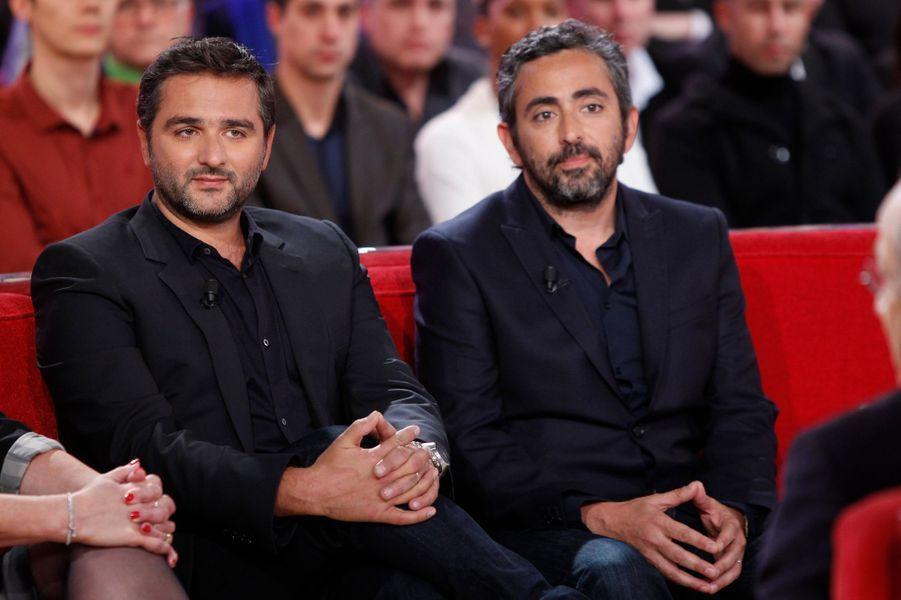 """Olivier Nakache et Eric Toledano lors de l'enregistrement de """"Vivement Dimanche"""" Patrick Chesnais, le 14 janvier 2015"""