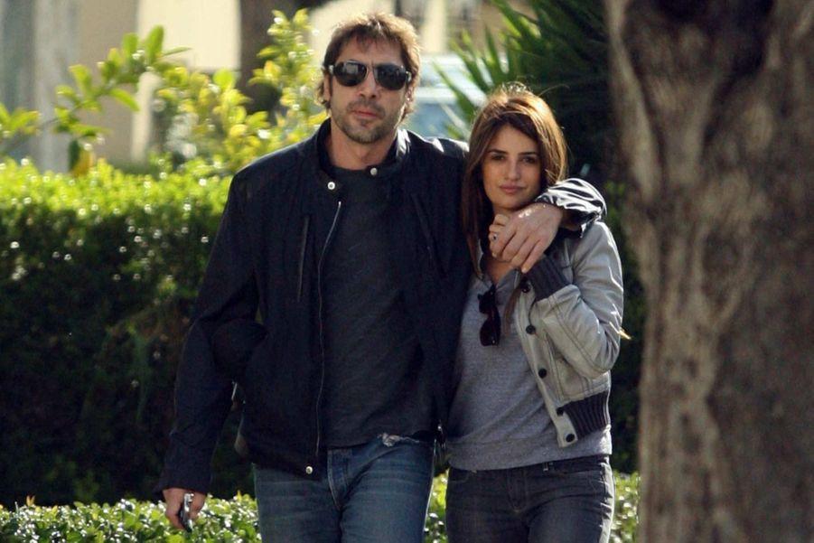 Penélope Cruz et son mari Javier Bardem ont accueilli leur deuxième enfant, lundi à Madrid. Une petite fille, née le même jour que le «Royal Baby» de Kate et William, dont le prénom n'a pas encore été dévoilé. A cette occasion, retour en images sur leur idylle qui dure depuis maintenant plus de six ans.