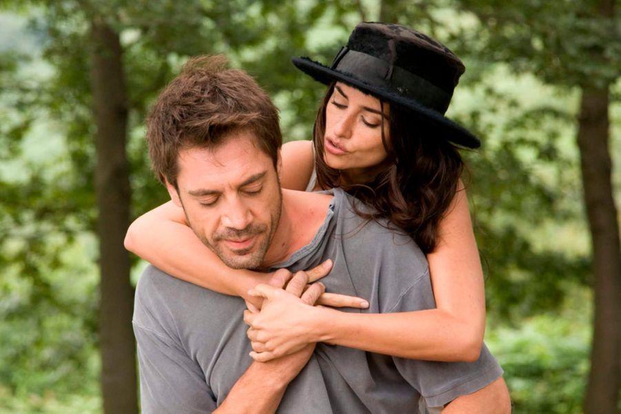... sur les plateaux de «Vicky Cristina Barcelona», de Woody Allen -qui a valu un Oscar à Penélope- et début de leur romance.