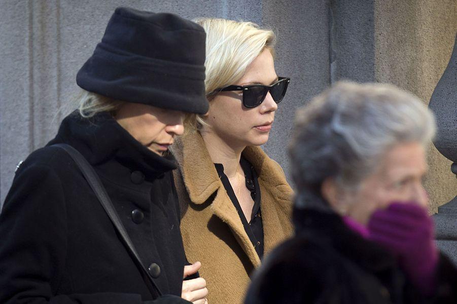 La comédienne Michelle Williams, qui a elle-même connu un drame avec la disparition de Heath Ledger, mort d'une overdose en 2008, a été durement touchée par le drame. Elle avait joué aux côtés de Philip Seymour Hoffman adns «Synecdoche, New York».
