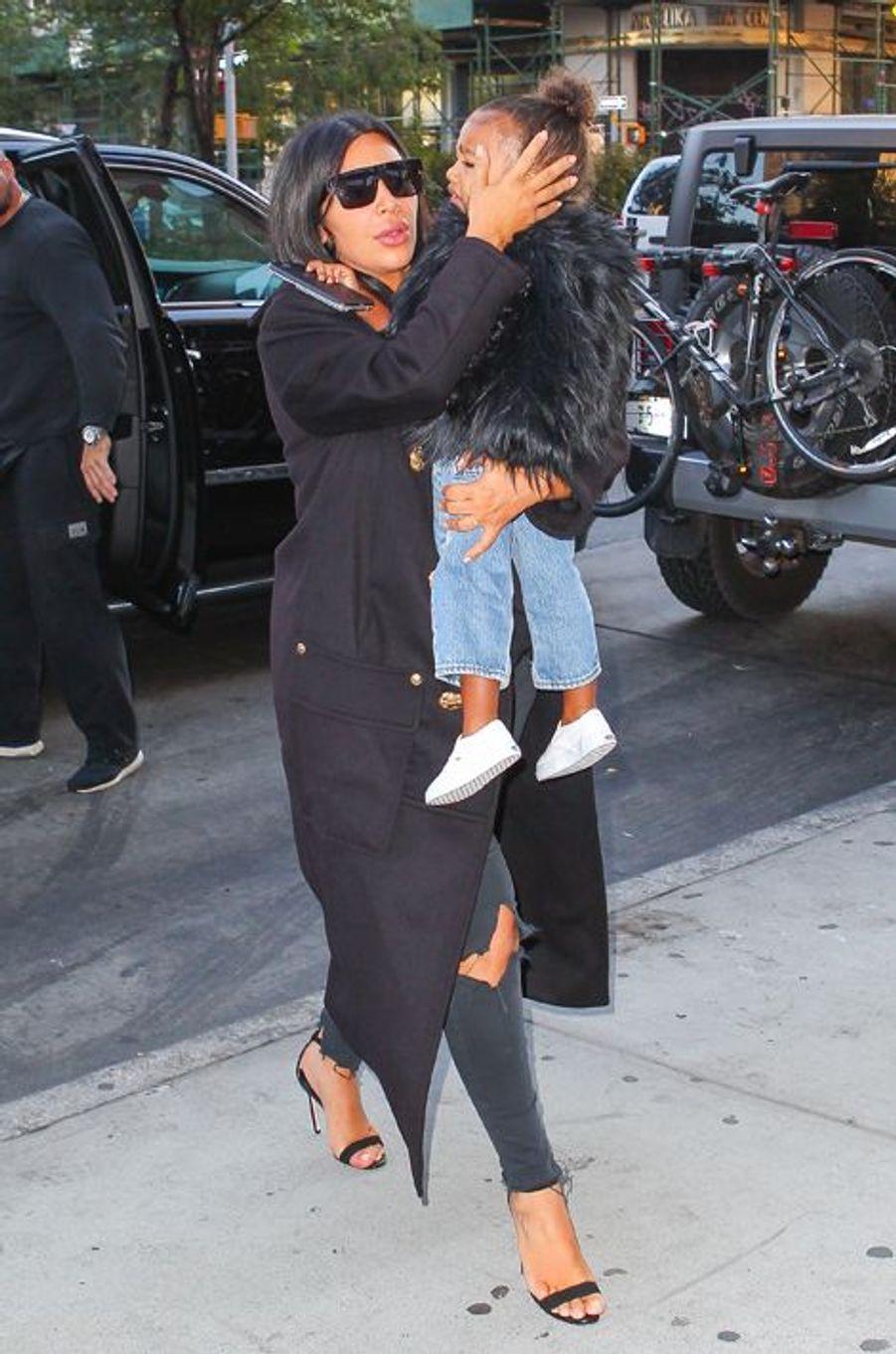Kim Kardashian et sa fille à New York le 6 septembre 2015