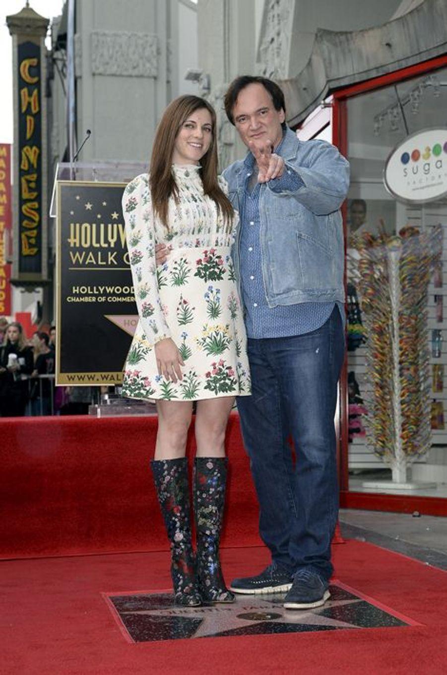 Quentin Tarantino et sa compagne, Courtney Hoffman, à Los Angeles le 21 décembre 2015