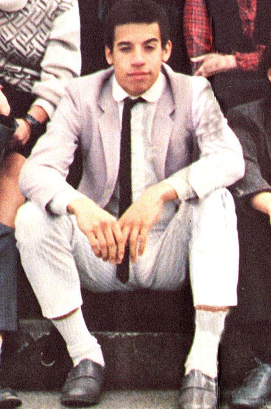 Découvrez le nom de cette star en surlignant le texte ci-après: =><font color=black><b>Vin Diesel chevelu en 1985.</font></b><=<br><br><br>