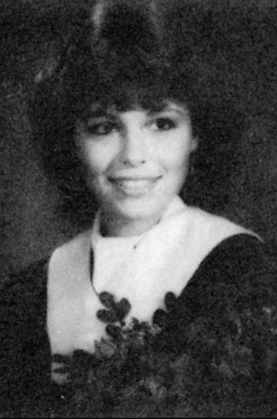Découvrez le nom de cette star en surlignant le texte ci-après: =><font color=black><b>Pamela Anderson en 1985. Elle avait 18 ans.</font></b><=<br><br><br>