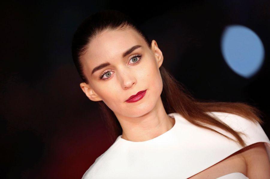 """La belle Américaine joue le rôle de la petite amie de Joaquin Phoenix dans """"Her""""."""
