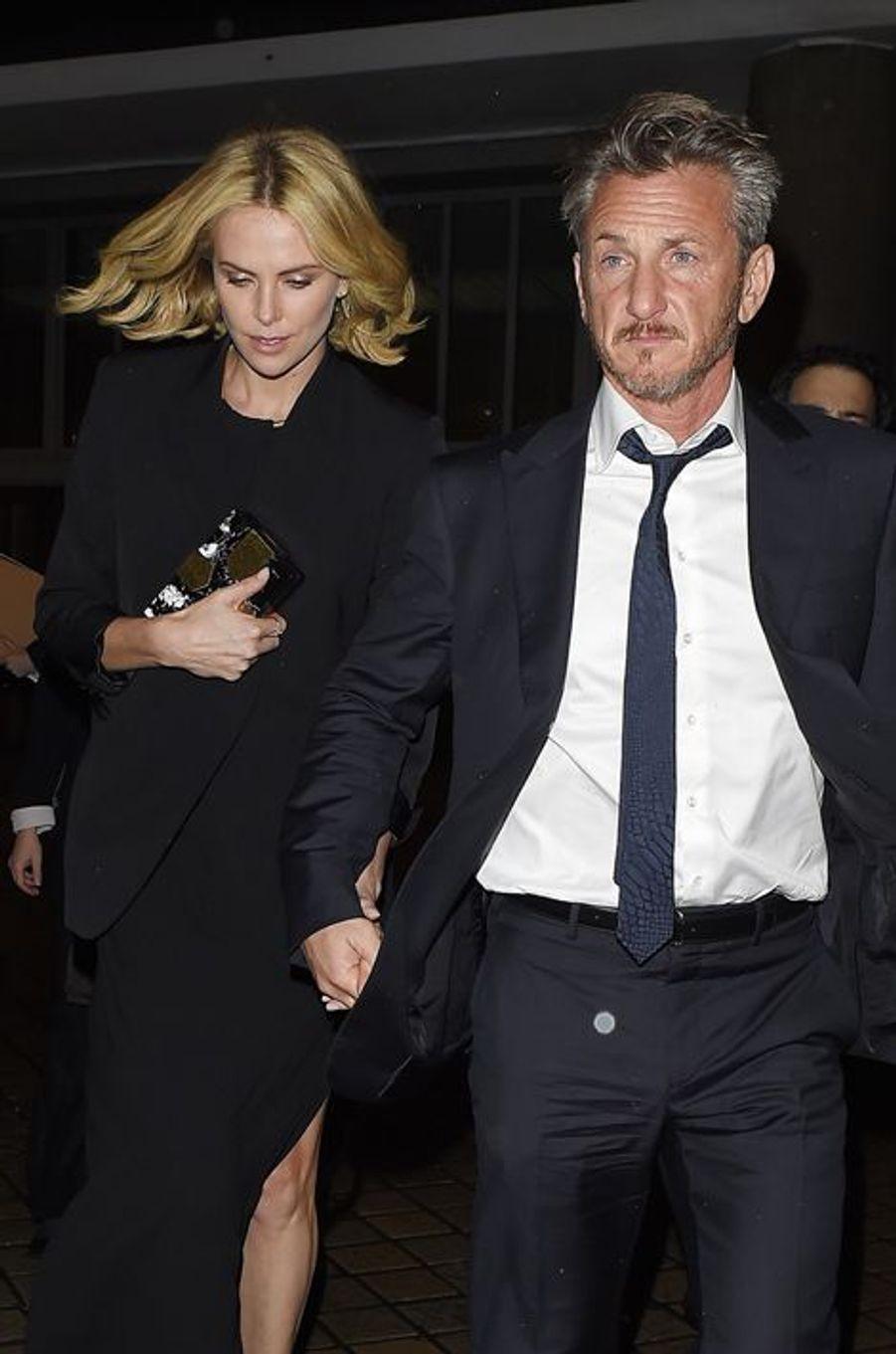 Charlize Theron et Sean Penn à Londres le 16 février 2015