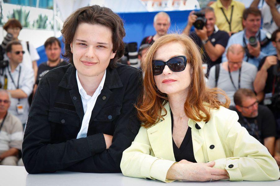 Jules Benchetrit et Isabelle Huppert à Cannes le 17 mai 2015