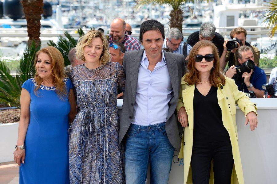 """L'équipe du film """"Asphalte"""" à Cannes le 17 mai 2015"""