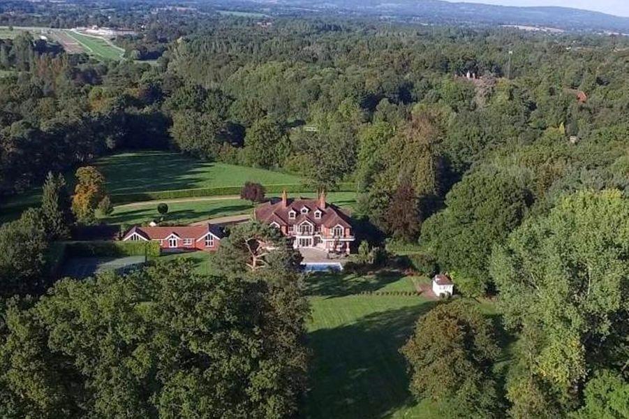 Tom Cruise met en vente son manoir du Sussex de l'Ouest. L'acteur l'avait acheté en 2006.