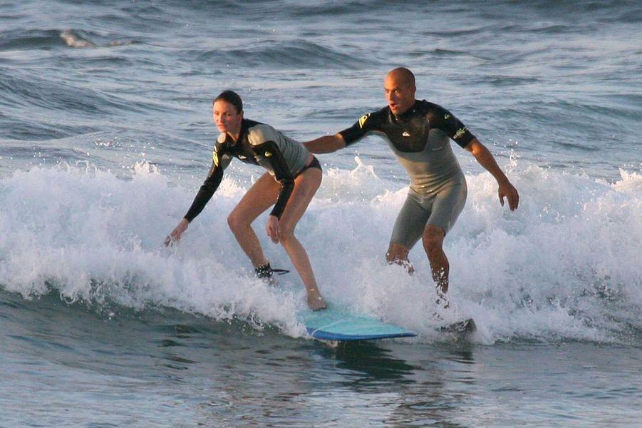 … puis avec le surfer Kelly Slater (2007)