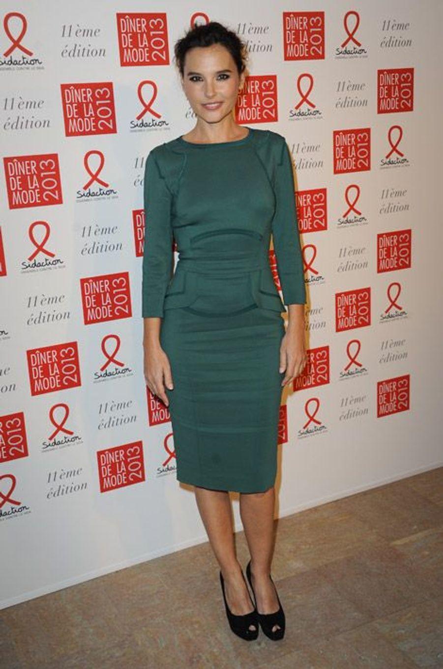 Virginie Ledoyen participe au dîner de la mode en faveur du Sidaction à Paris, le 24 janvier 2013