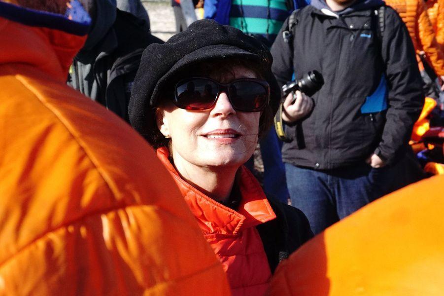 Susan Sarandon avec les réfugiés de Lesbos