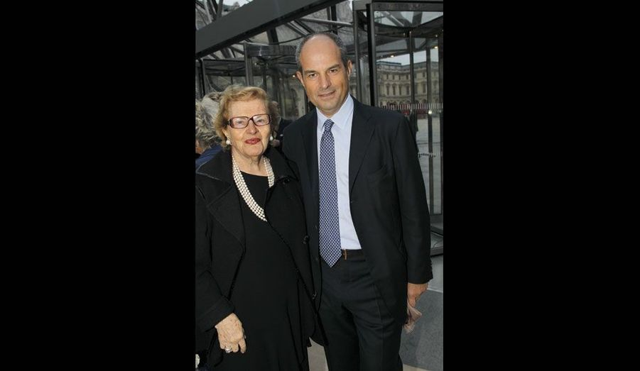 La présidente d'honneur du groupe et son fils.