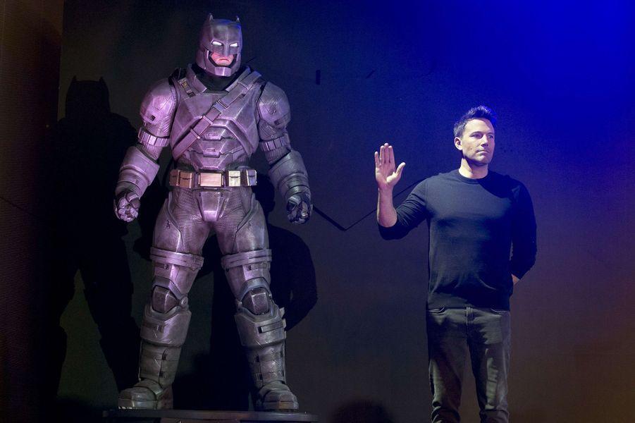 """Ben Affleck en Chine pour la promotion de """"Batman vs Superman"""", mars 2016"""