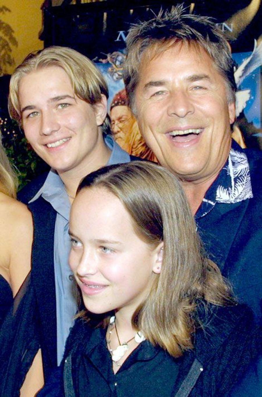 """Avant-première de """"Harry Potter à l'école des sorciers"""" avec son père Don Johnson, 2001"""
