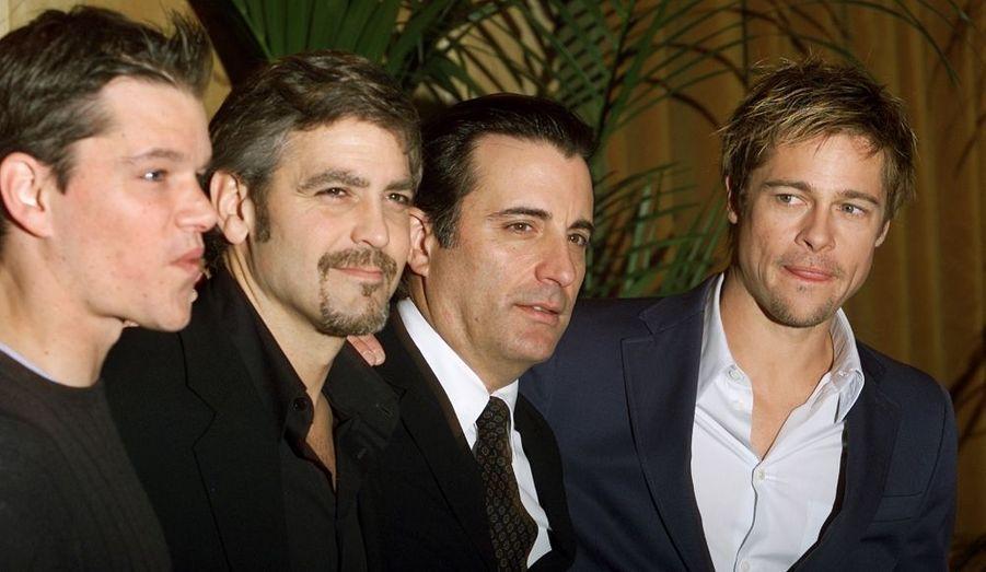 En 2001, Matt Damon fait partie de la bande de copains du film Ocean's Eleven de Steven Soderbergh. Ici entouré de George Clooney, Andy Garcia et Brad Pitt, l'acteur sera dans les deux autres volets de la trilogie Ocean's Twelve et Ocean's Thirteen.