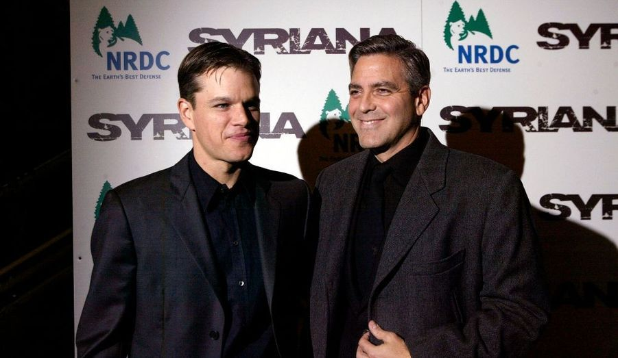 Matt Damon avec son ami George Clooney en 2005 pour Syriana.