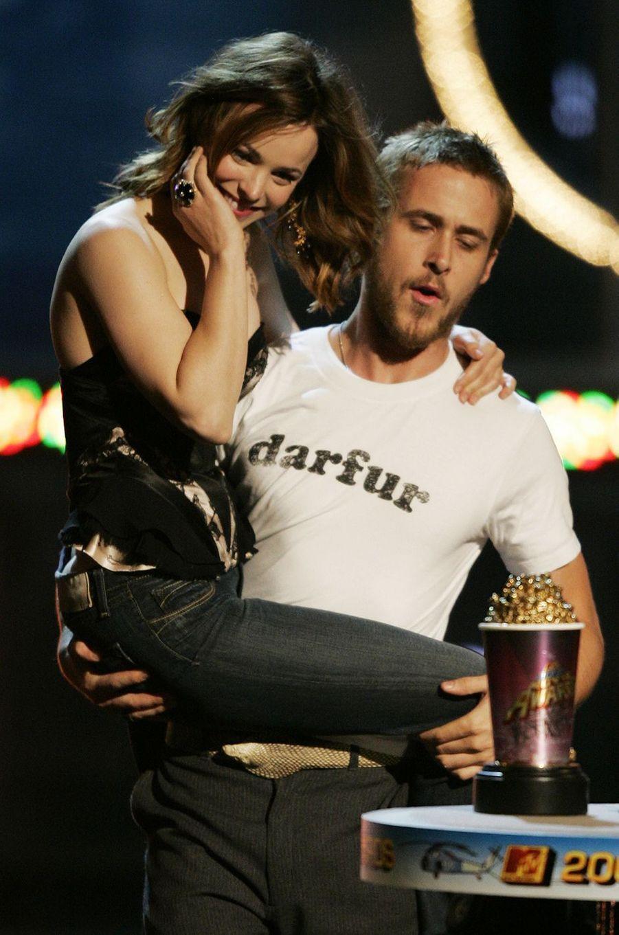 Ryan Gosling et Rachel McAdams au MTV Movie Awards en 2005