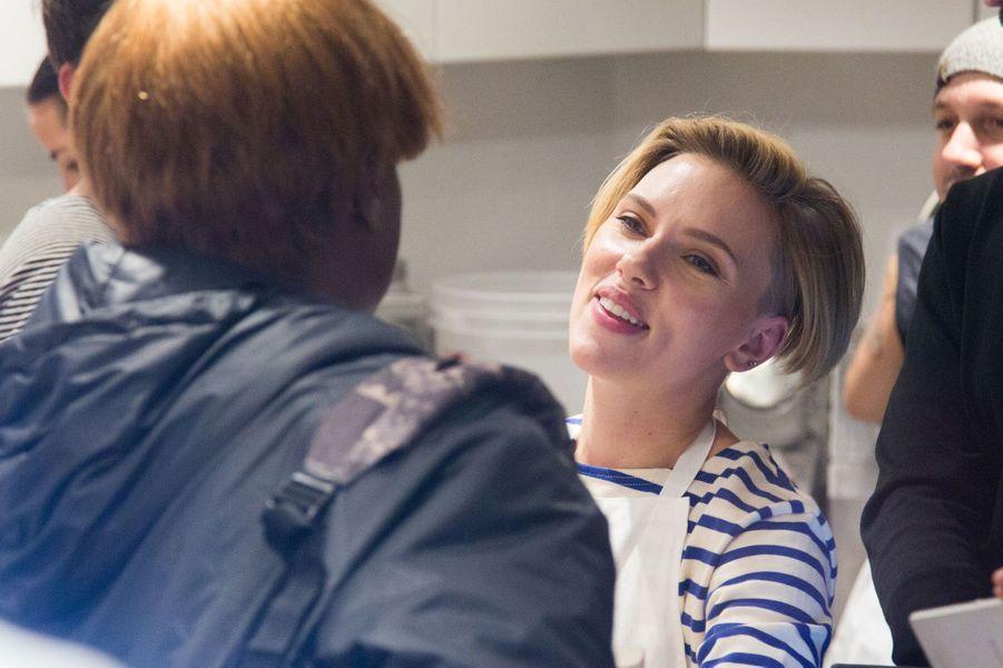 L'actrice dans sa boutique Yummy-Pop.