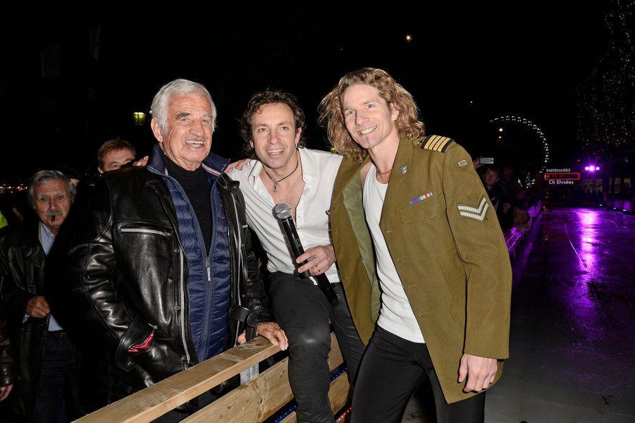 Jean-Paul Belmondo, Philippe Candeloro et Gwendal Peizerat à l'inauguration du village de Noël des Champs Elysées à Paris, le 14 novembre 2014