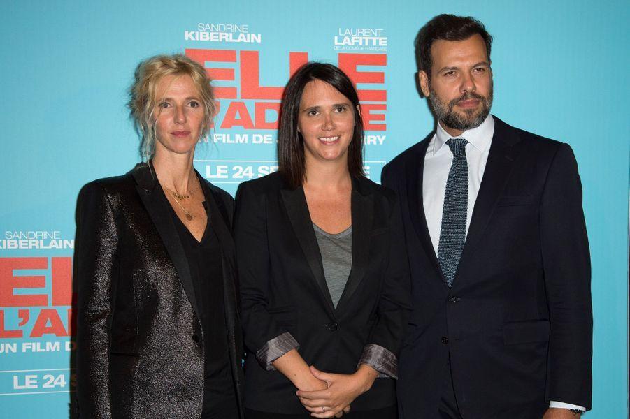 Sandrine Kiberlain, Jeanne Herry et Laurent Lafitte, à la première de «Elle l'adore» à Paris le 15 septembre 2014.