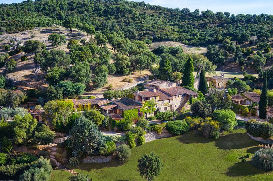 Johnny Depp vend sa sublime maison dans le Var... pour 55 millions de dollars !