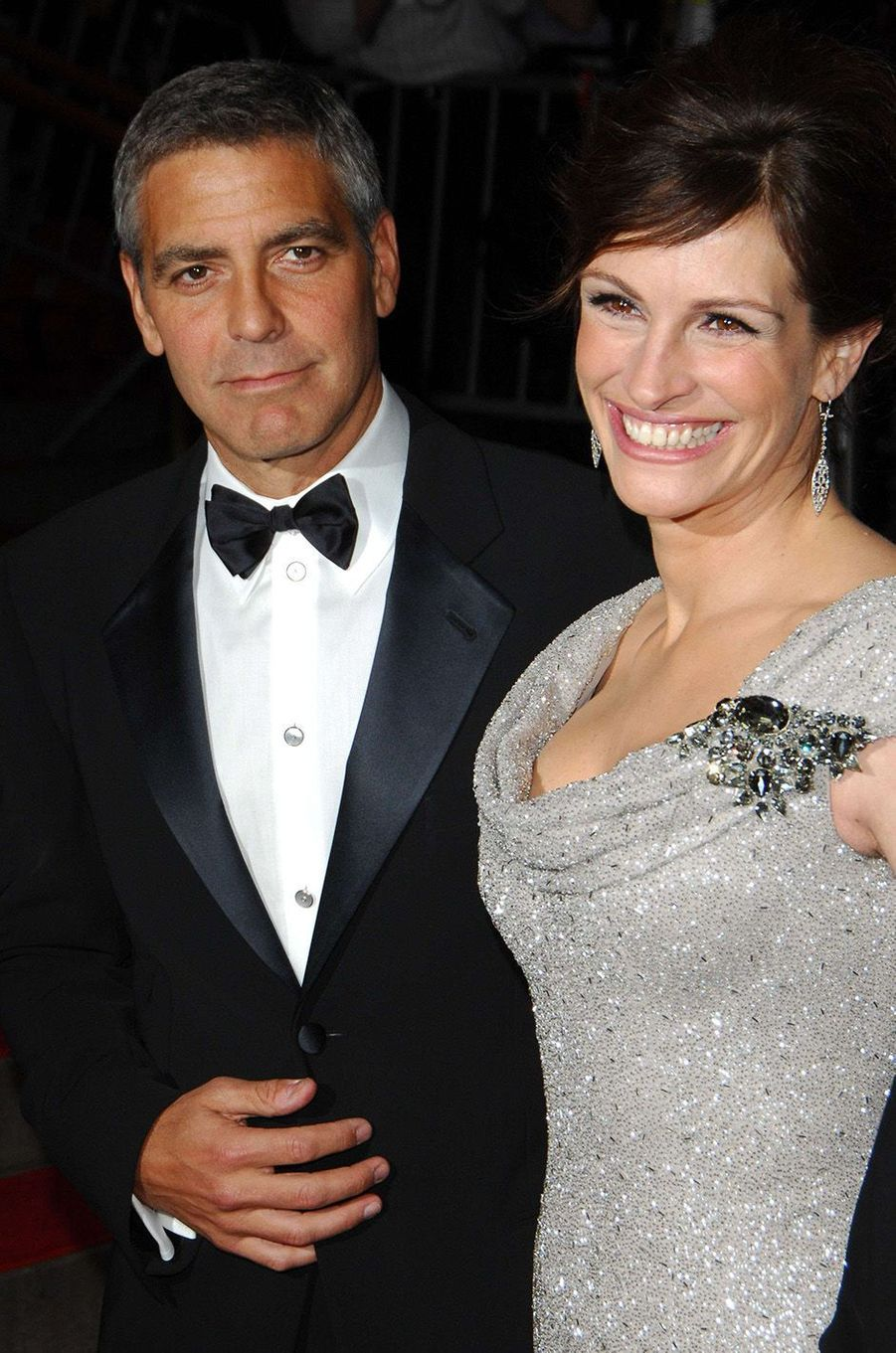 Julia Roberts et George Clooney arrivent ensemble au MET Ball, à New York en 2008
