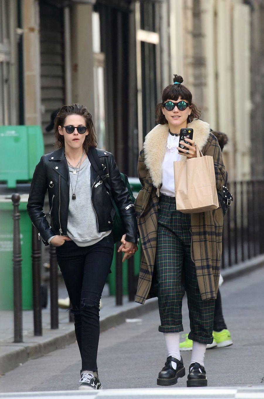 Kristen Stewart et Soko à Paris le 15 mars 2016
