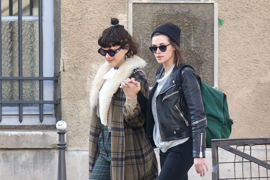 Soko et Kristen Stewart à Paris le 15 mars 2016